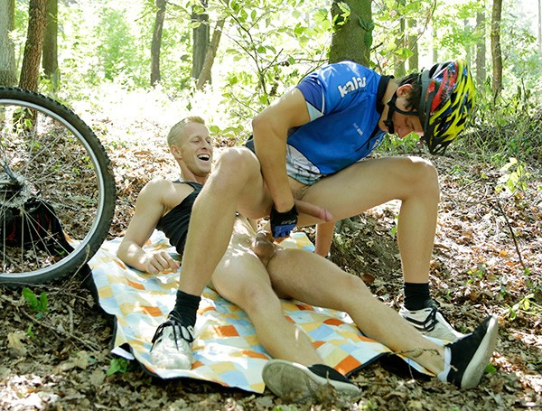 Bareback Bike Bitches DOWNLOAD - Gallery - 009
