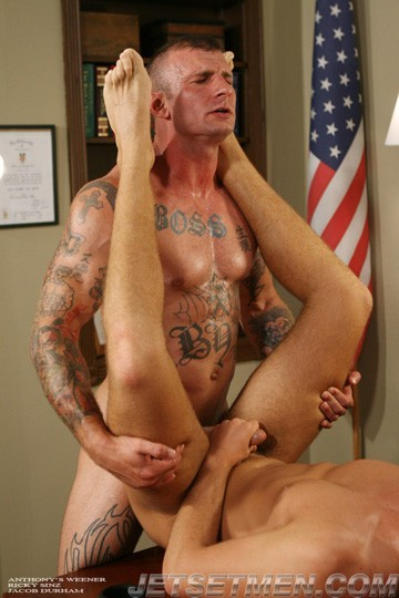 Anthony's Weener DVD - Gallery - 006