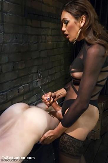 TSS072 - Yasmin Lee & Her Powerful Cock DVD (S) - Gallery - 006